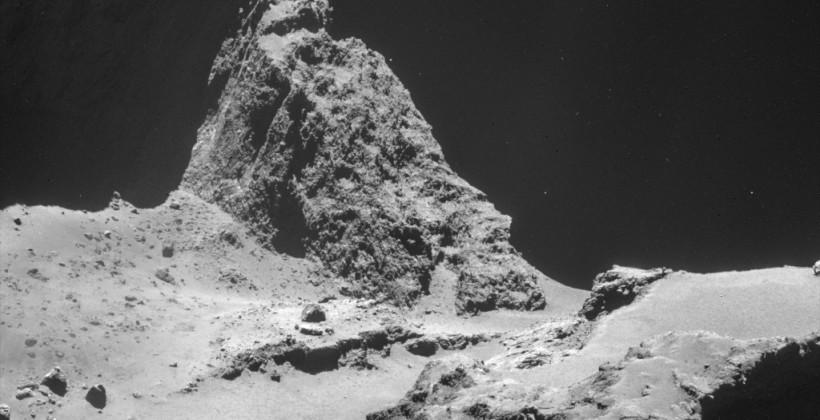 Rosetta's lander may be fading, but its photos are incredible