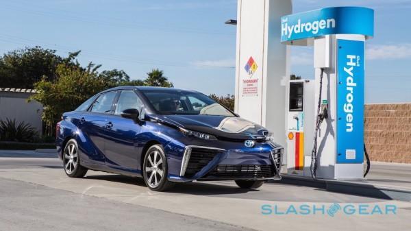 2016-toyota-mirai-price-hydrogen-4