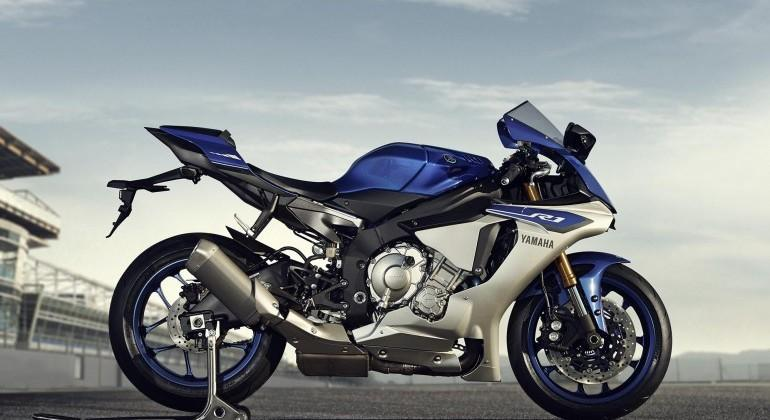 2015 Yamaha YZF-R1 and R1M motorcycles unveiled