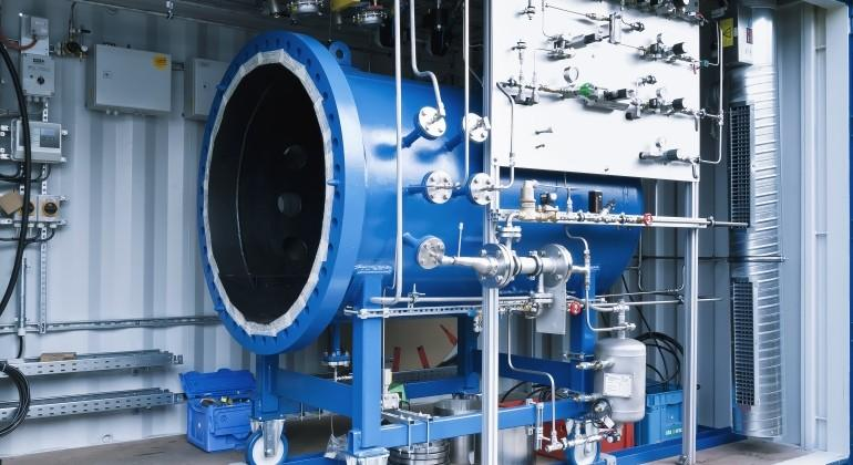 Germany's Sunfire makes synthetic gasoline from water, CO2