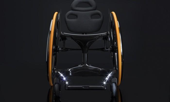 Carbon Black gives wheelchairs a modern style upgrade