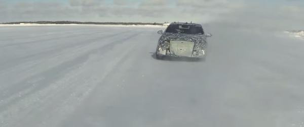 2016_Volt_Electric_Hybrid_Cars_snow_2