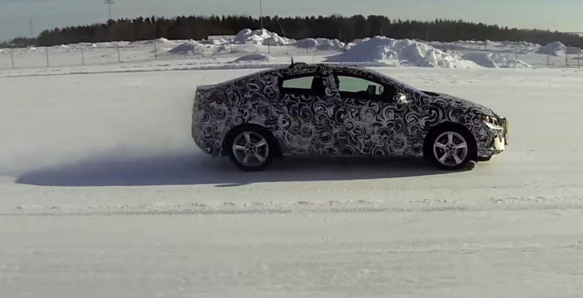 Chevrolet takes its 2016 Volt out to play in the snow