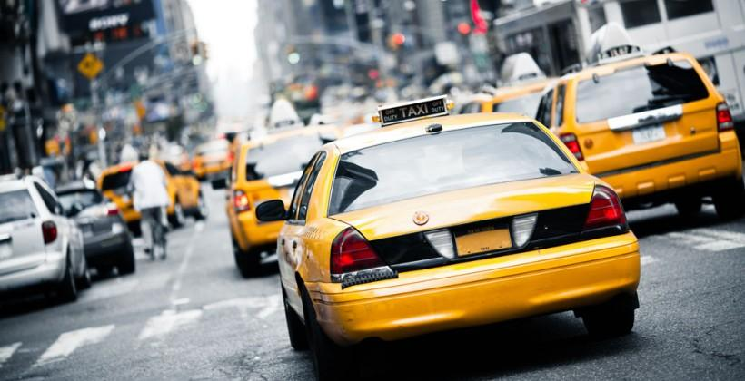 Chicago taxis to combat Uber with own ride-calling app