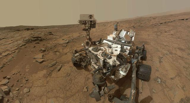 Curiosity Rover discovers ancient Martian organic molecules