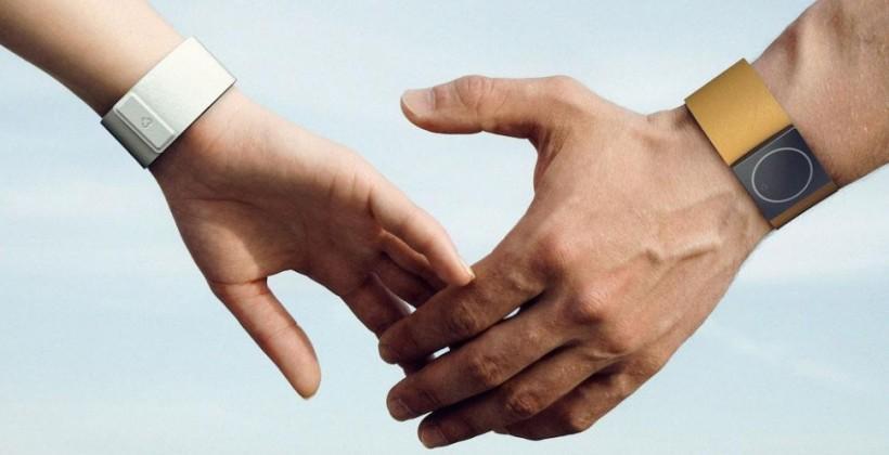 Embrace smartwatch tracks stress, detects seizures