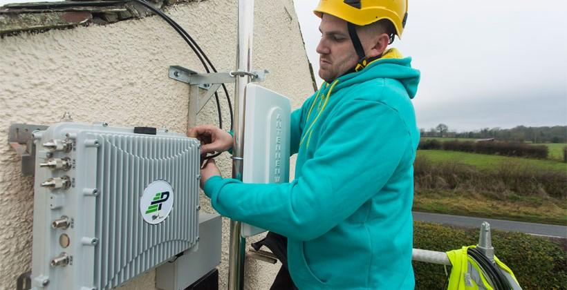 EE installs first micro network site in rural UK