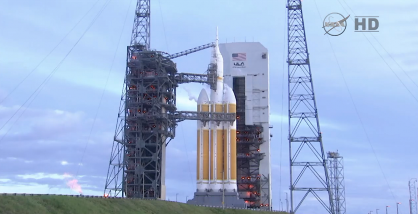 Weather stalls NASA Orion launch