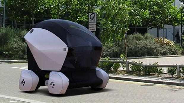 UK gives driverless car cities green light for 2015