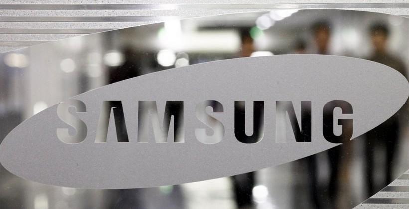 Samsung's mobile chief keeps job despite S5 slump