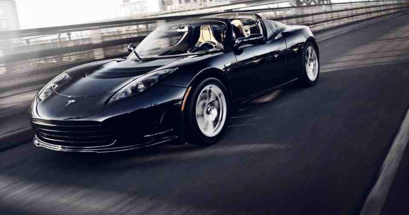 Tesla Roadster details coming next week