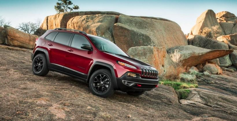 Jeep Cherokees under investigation following fires