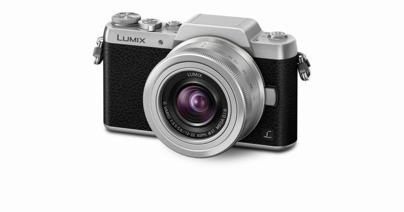 Panasonic LUMIX GF7 gives selfie lovers another camera choice
