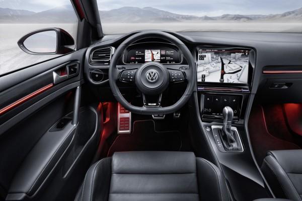 Golf R Touch Interior (3)