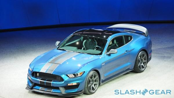 P1126552-Ford-GT350-NAIAS-2015