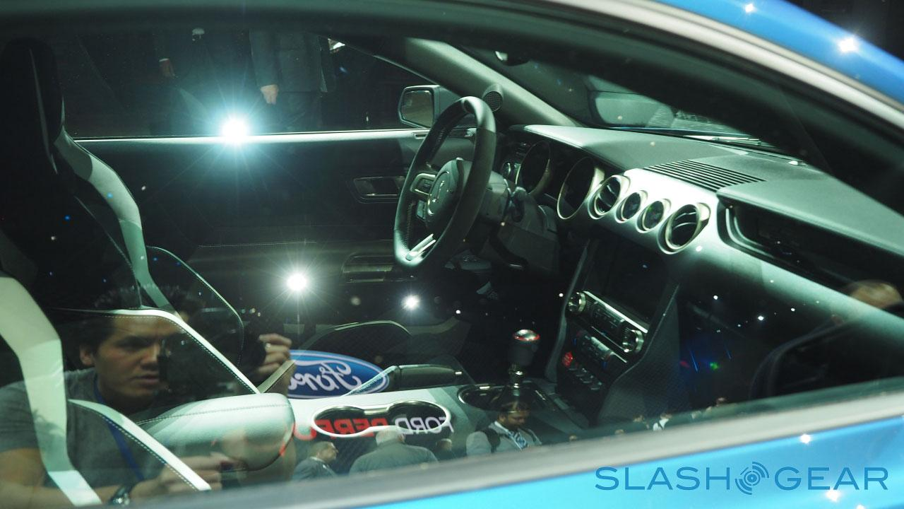 P1127147-Ford-GT350-NAIAS-2015