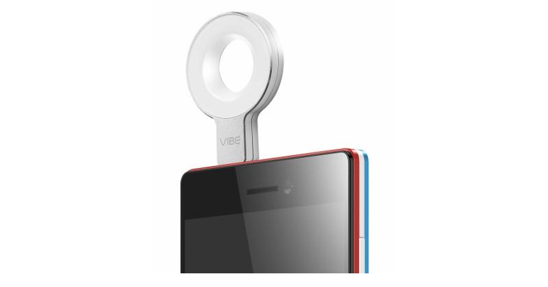 Lenovo VIBE Xtension Selfie Flash brightens up your smile