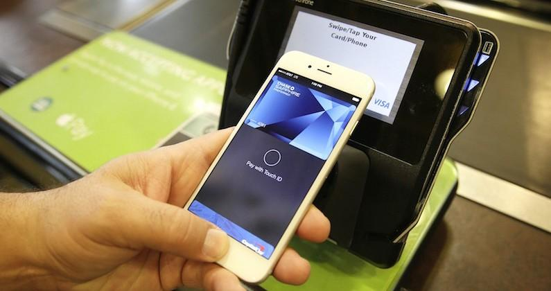 Proposed law requires Apple Pay users show photo ID