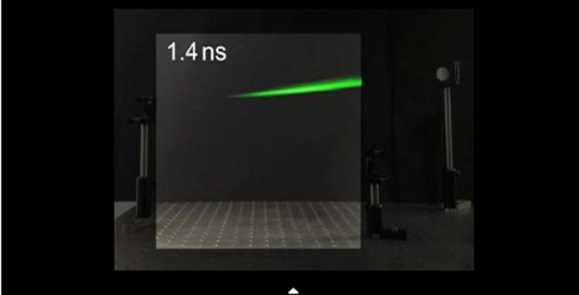 Scientists capture laser bouncing off a mirror on video
