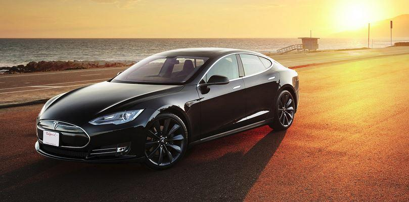"""Tesla Model S """"Insane Mode"""" freaks out unsuspecting riders"""