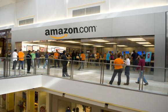 Amazon may get retail stores via Radio Shack bankruptcy