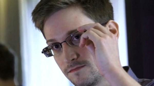 Snowden: NSA/GCHQ have nearly everyone's SIM card codes