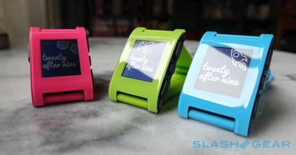 Pebble counts down to announcement; rumor says color display coming