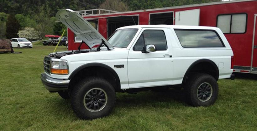 Ford Raptor Bronco >> Car Hackers Meld 90s Bronco With Ford Raptor Slashgear