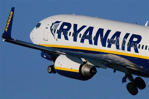 Ryanair, Vodafone partner for paperless cockpits, in-flight POS