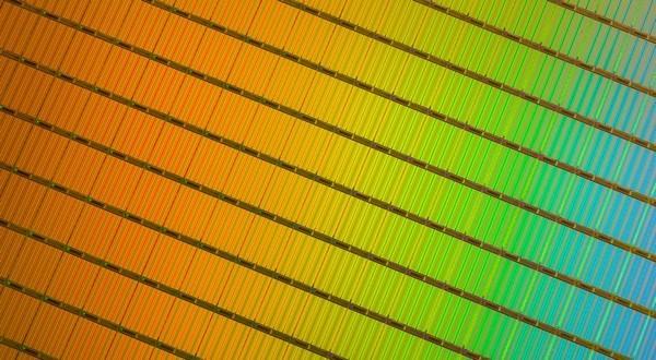 Intel, Toshiba bring 3D NAND to SSD; small drives, large capacity