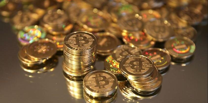Federal agents charged with fraud involving Silk Road bitcoins