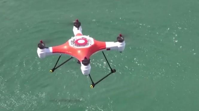 Waterproof Splash Drone can automatically follow your jet ski