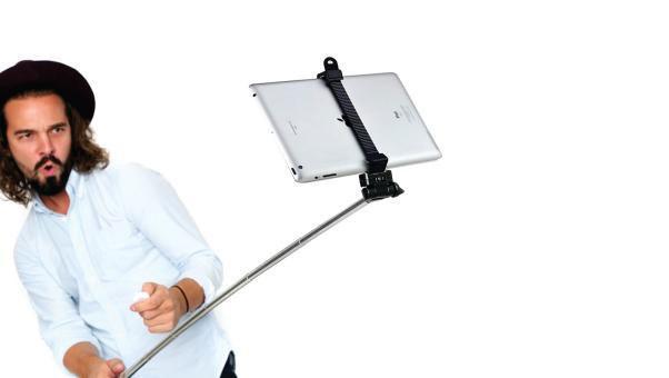 Destroy your tablet with a Selfie Stick attachment