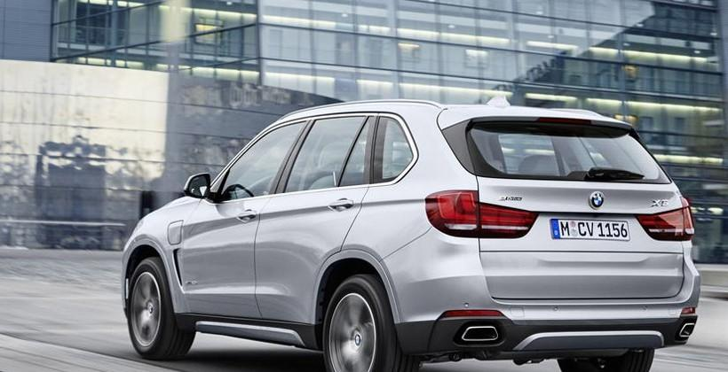 BMW X5 xDrive40e plug-in hybrid sports vehicle goes 13 miles on electricity