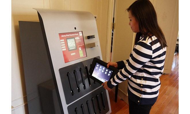Drexel University library installs new iPad rental vending machine