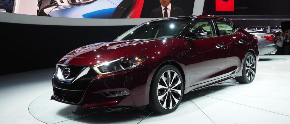 2016 Nissan Maxima resets the meaning of a 4-Door Sports Car