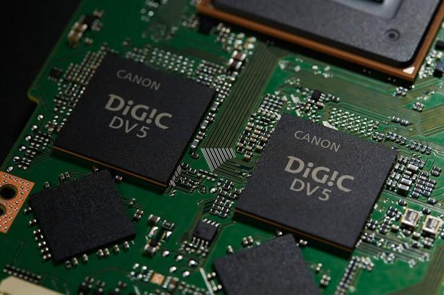 D181-Dual-Digic-DV5-Beauty-640x426