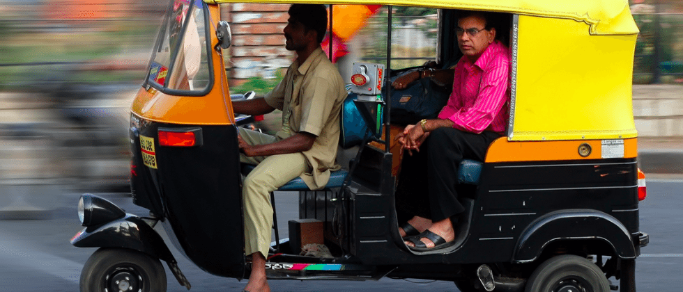Uber adds auto rickshaws in India, accepts cash for first time