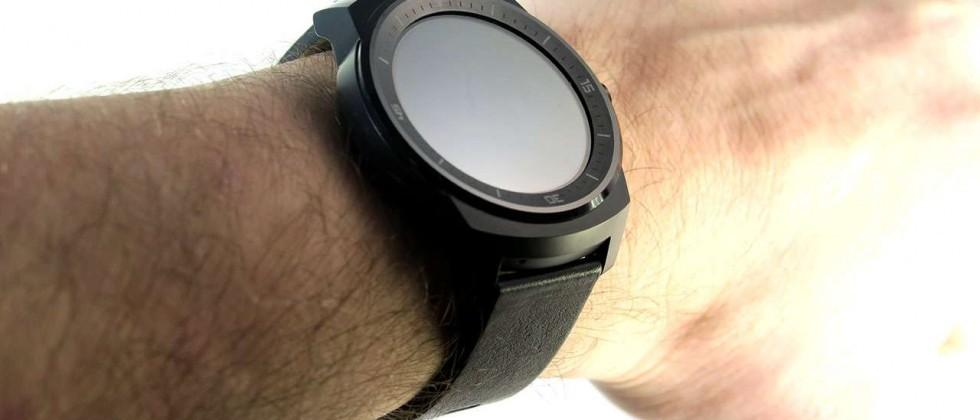 "Android Wear trumps Apple Watch with ""phone free"" functionality"