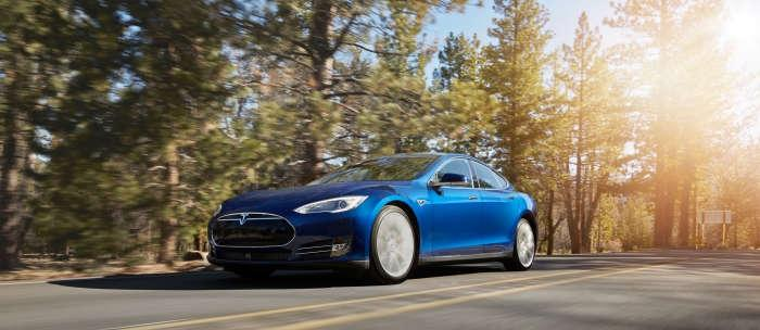 Tesla Model S 70D brings AWD to $75k entry-level