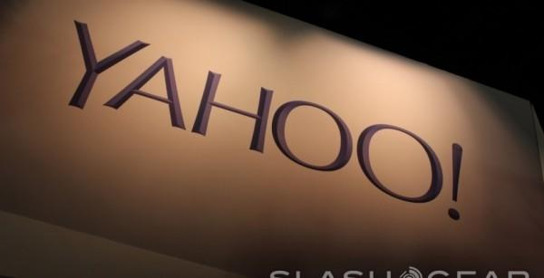 Yahoo Mail adds LinkedIn, Twitter info to Contact Cards feature