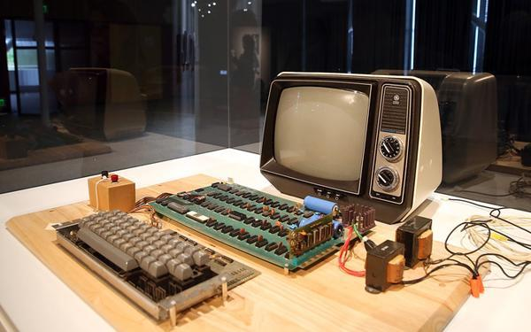 $200,000 Vintage Apple I computer recycled by unsuspecting mystery woman