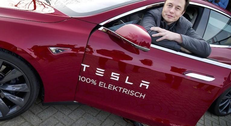 Tesla aiming for $35k Model 3 unveiling in March 2016