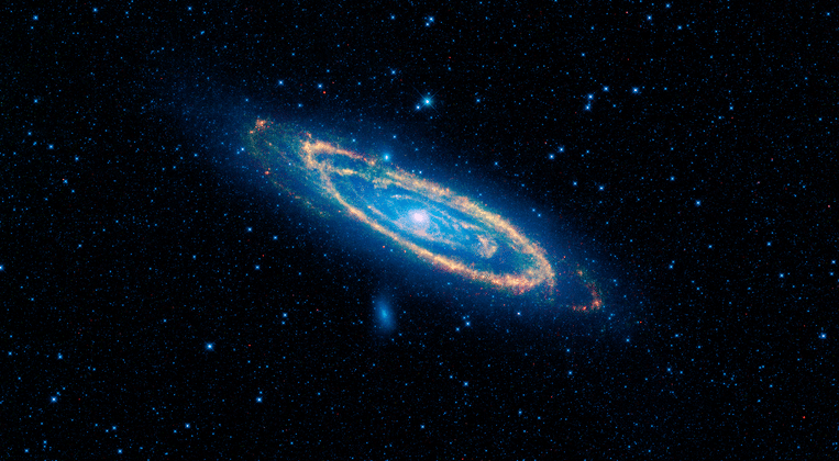 Hubble spots giant gas halo around Andromeda Galaxy