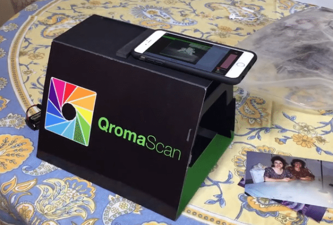 QromaScan digitizes, organizes your physical photographs
