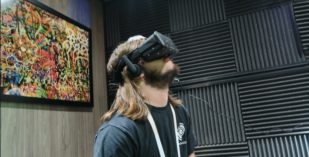 Oculus VR's founder sued over alleged confidentiality breach