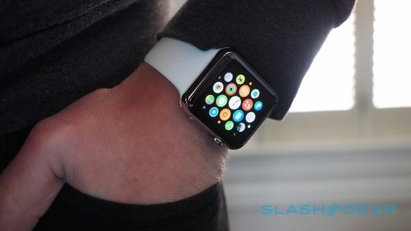 Apple Watch may soon be available for in-store pickup