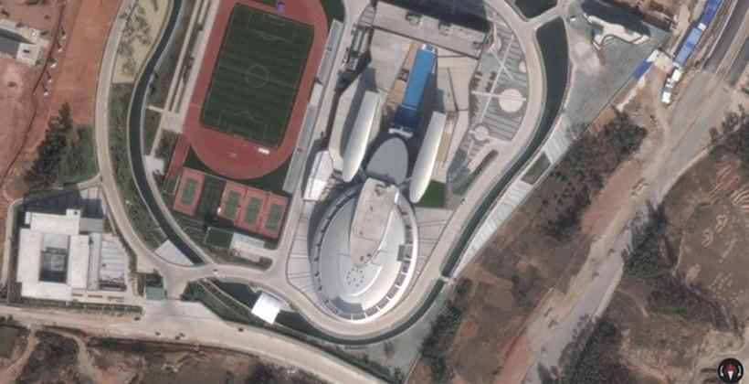 Chinese CEO builds office building that looks like the USS Enterprise