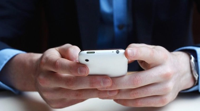 Europe's mobile carriers aim to block all internet ads