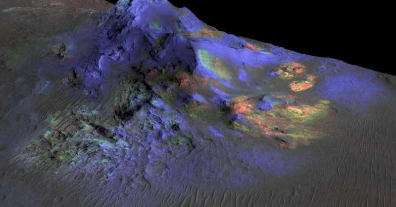 NASA finds glass on Mars, could hold signs of life